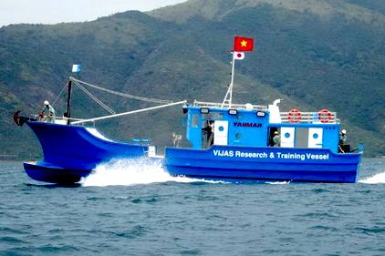 Việt Nam tiếp nhận công nghệ đóng tàu cá vỏ Composite từ Nhật