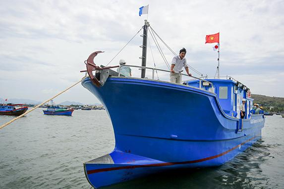 Tàu composite có thể thay tàu gỗ?
